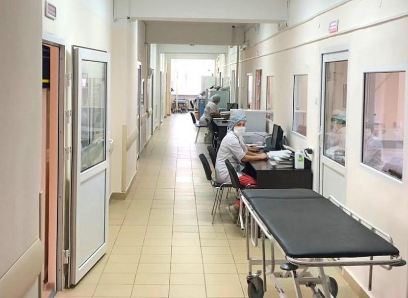 Больницу Пирогова в Самаре закрыли на карантин из-за коронавируса